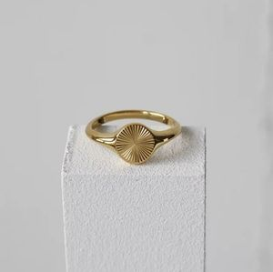 Round Geometric 18k Gold Plated Signet Ring Size 7